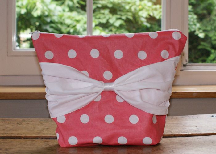 Trousse de toilette - Laissons Lucie Faire