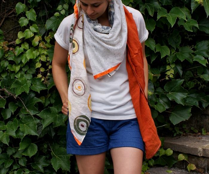 Trop top Ivanne S., short Scarlet et foulard 4 en 1 par Laissons Lucie Faire