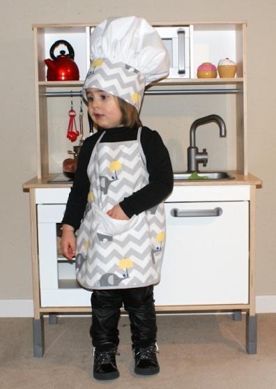 Parure de petit chef, tablier et toque pour enfant, DIY gratuit par Laissons Lucie Faire