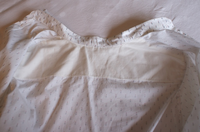 Chemise l'Élégant Les BG par Laissons Lucie Faire, détail de l'empiècement épaule