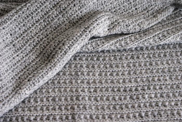 Baby blanket au point étoile par Laissons Lucie Faire