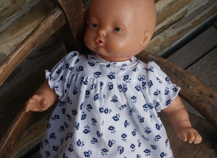 Robe de poupée années 40 par Laissons Lucie Faire